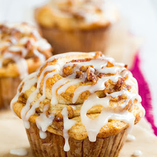 Apple Cinnamon Roll Muffins