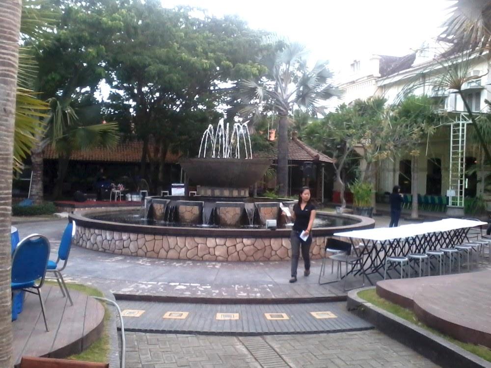 Hallo Surabaya Resto Building