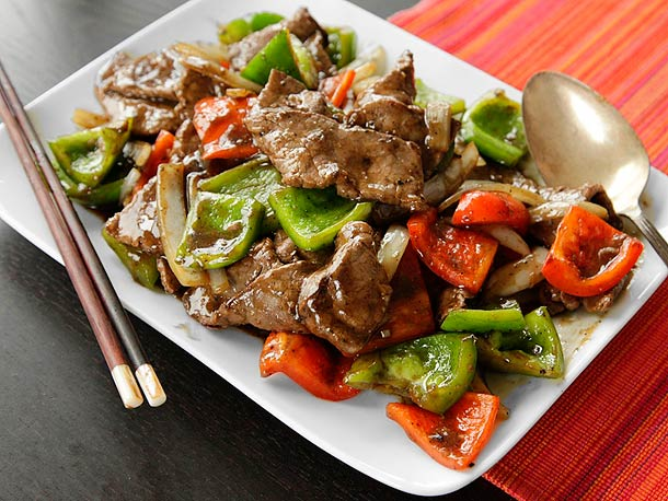 Chinese Pepper Steak (Stir-Fried Beef with Onions, Peppers, and Black Pepper Sauce) Recipe