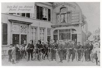 Photo: 1915-1925 Hof van Holland & Herberg De Zwaan op de Haagsemark