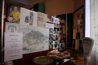 Photo: Oh ... quelqu'un de connu : Jean-Paul Véziano, boulanger à Antibes !