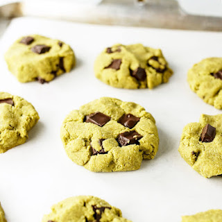 Vegan & Paleo Matcha Mint Chocolate Chip Cookies.