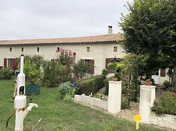 maison à Saint-Martial-de-Mirambeau (17)