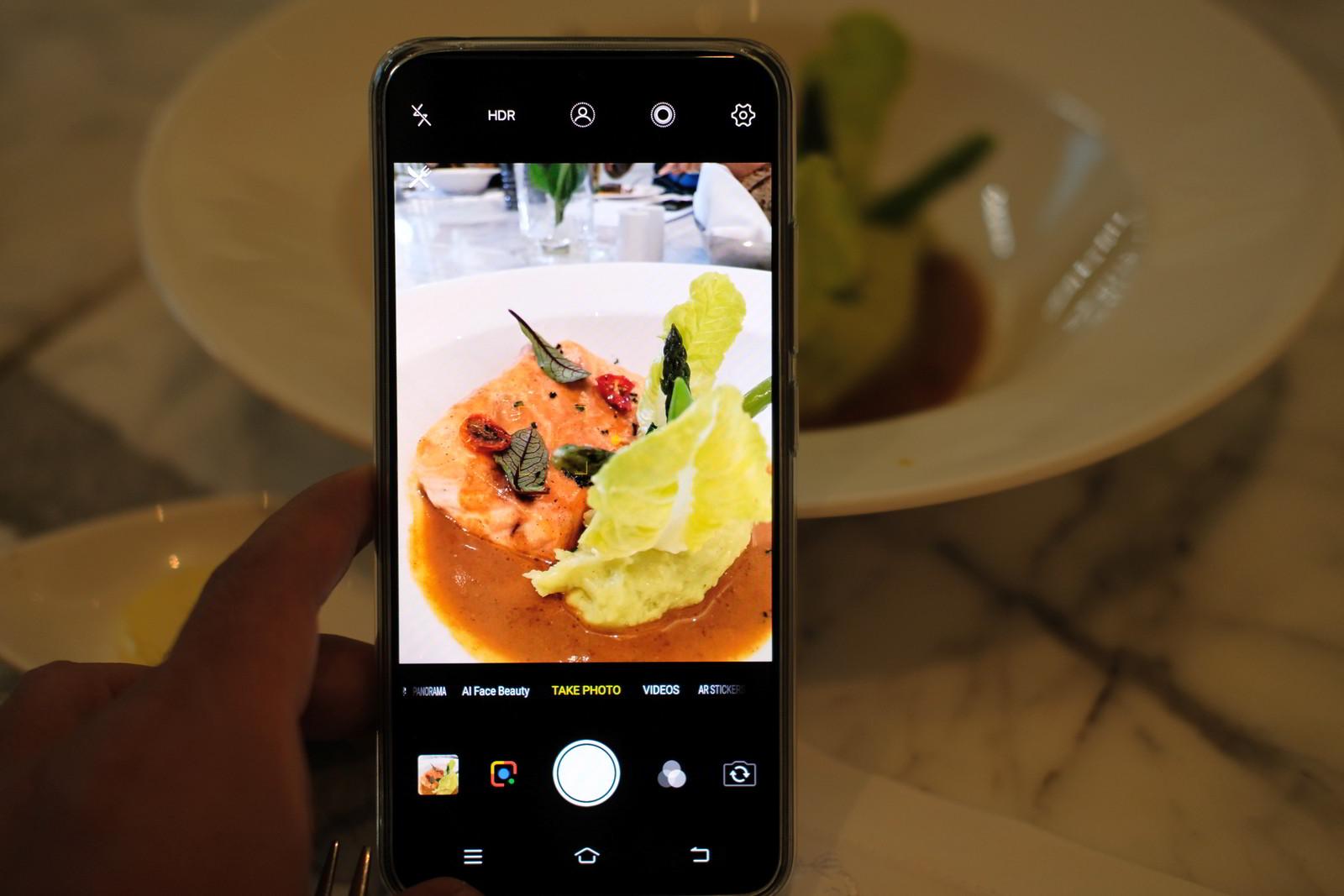 Vivo V11 pro kamera dilengkapi dengan teknologi AI, foto Kristian