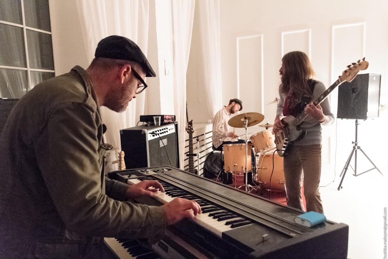 Музичні світи:від поодиноких медитативних звуків до імпровізаційних крещендо кращих музикантів міста
