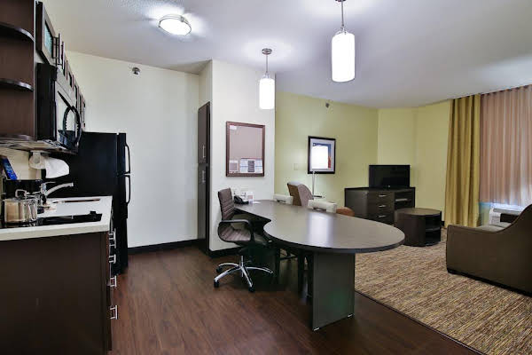 Candlewood Suites Bismarck