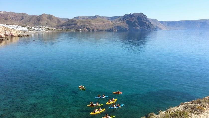 Ruta de kayak junto a Las Negras.