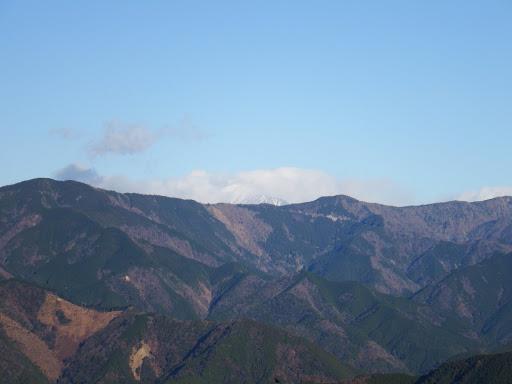 奥の雲の中に聖岳