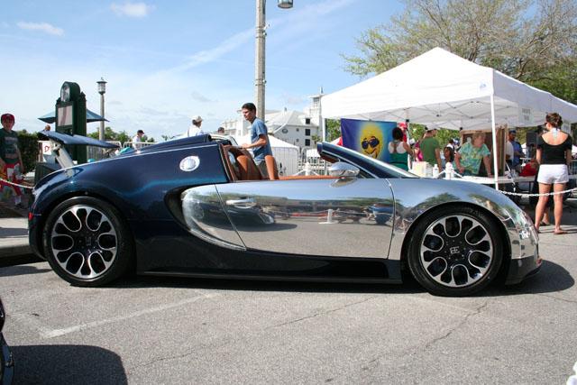 black and chrome Bugatti Veyron Grand Sport