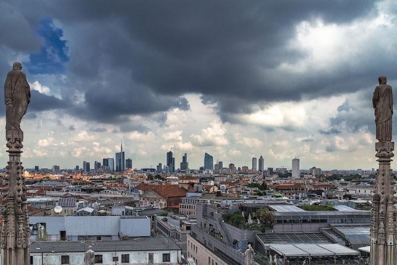 Milano tra le guglie di prometeo