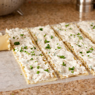 Creamy White Chicken Lasagna Roll Ups