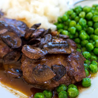 Slow Cooker Salisbury Steak (with mushrooms and gravy).