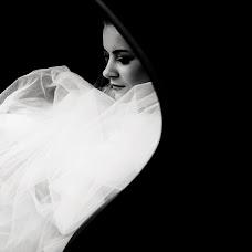 Wedding photographer Dmitriy Shumeev (wedmoment). Photo of 16.11.2017