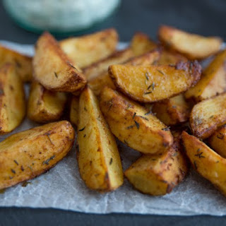 Garlic And Rosemary Baked Potato Wedges