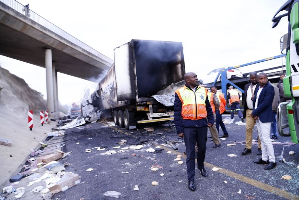 Truck talks continue as troops march in to stem highway violence - TimesLIVE