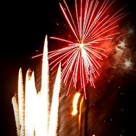 big fireworks by Patrizia Emiliani - Abstract Fire & Fireworks ( big fireworks,  )