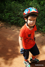 Photo: getting some help with the bike up the hill! very cool little hasher!