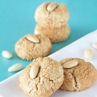 Snickerdoodle Amaretti Cookies.