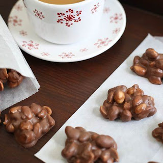 Slow-Cooker Choco-Peanut Clusters