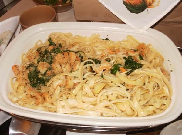 Shrimp Scampi And Spinach Fettuccine Recipe