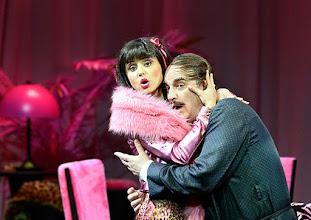 Photo: WIENER STAATSOPER: DON PASQUALE. Inszenierung: Irina Brook. Premiere: 26.4.2015. Valentina Nafornita, Michele Pertusi. Copyright: Barbara Zeininger.
