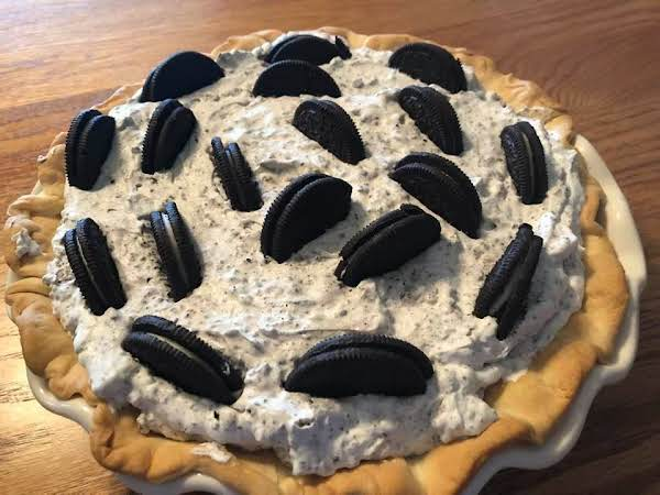 Dark Chocolate Filled Cookies & Cream Pie