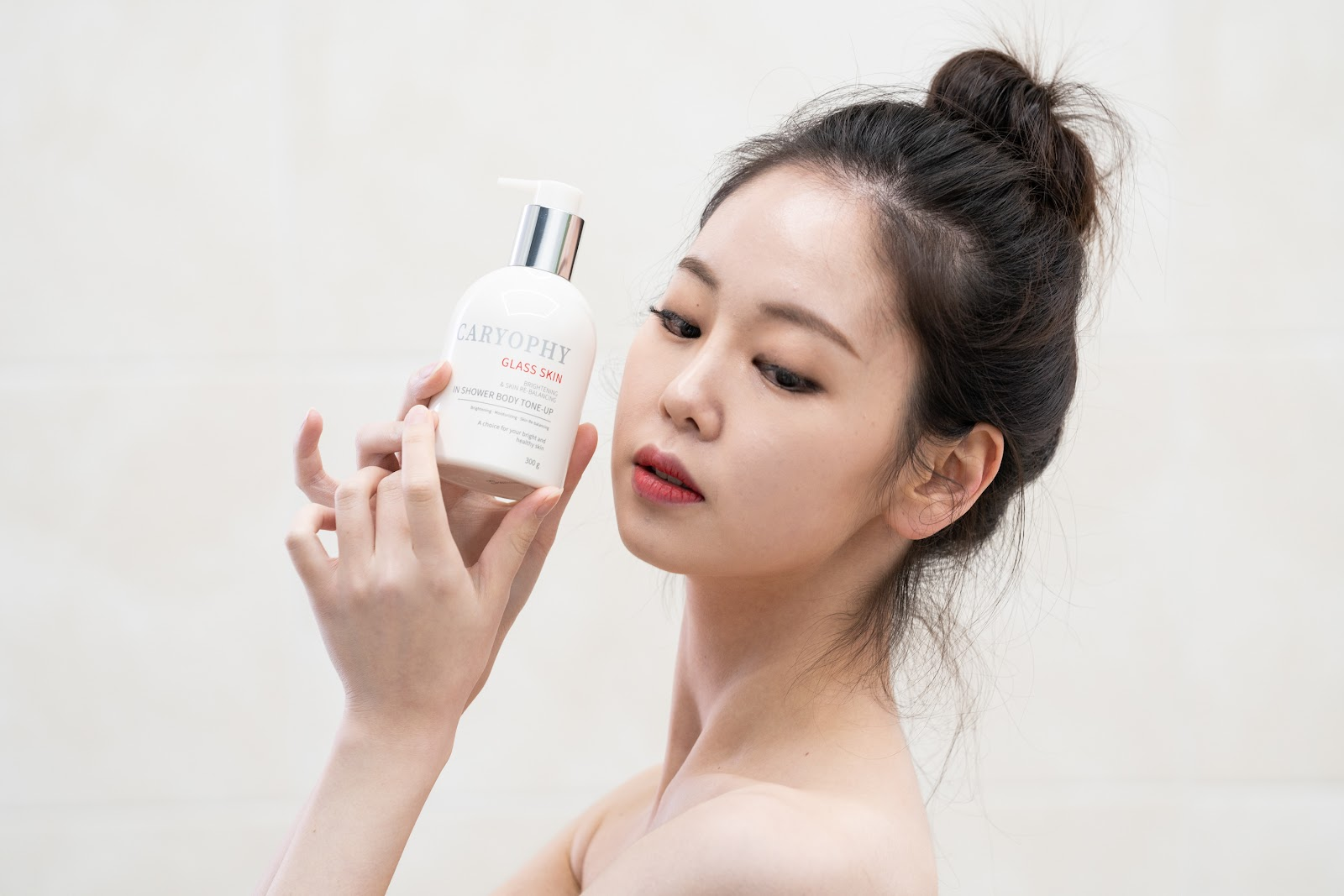 Caryophy 3 in 1 Glass skin in Shower Body Tone up