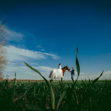 Wedding photographer Nikolay Manvelov (Nikos). Photo of 09.11.2018