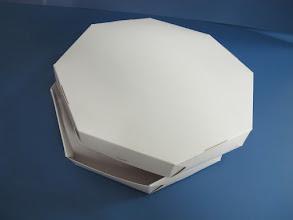 Photo: Embalagem para pizzas ou outros alimentos com formatos cilíndricos - Semi aberta.