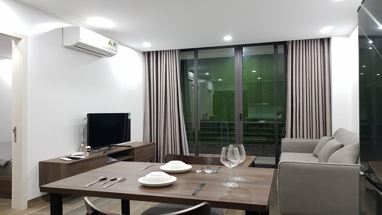 Modern 1 – bedroom apartment with good price in To Ngoc Van street, Tay Ho district for rent