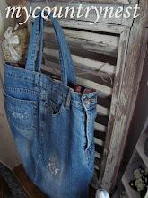 Photo: shopper ricavata da un mio vecchio paio di jeans