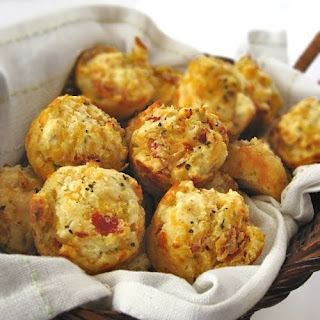 Cheesy Pepperoni Bites