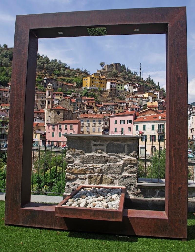 In cornice... di Giuseppe Loviglio