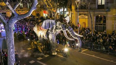 Photo: Barcelona  Barcelones  05 01 2014     Barcelona   Cabalgata de los Reyes Magos de Oriente en  Barcelona     Arxiu   DG   140105      ex 0551          en la foto   La cabalgata de los Reyes Magos de Oriente por la Ronda de Sant Antoni             FOTO   PUIG  JOAN