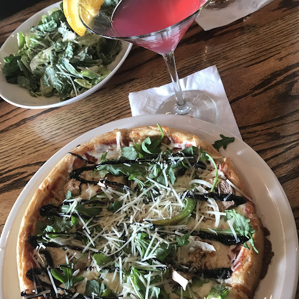 GF Veggie with arugula, parm and balsamic glaze. So delicious. To drink, the blood orange cosmo with Tito's.