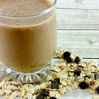 Smoothie Recipe - Creamy Peanut Butter Smoothie