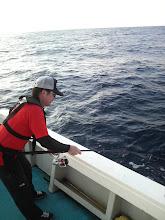 Photo: 久しぶりのご乗船のミクリヤさん! ・・あらっ! 釣り座が違いますけど・・