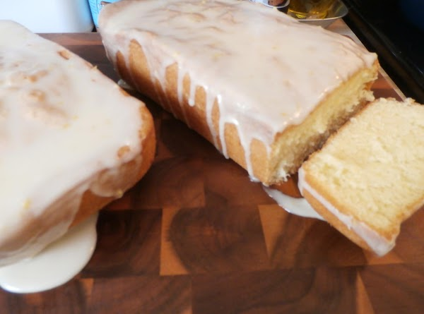 Cool 10 minutes, remove from pan. Cool completely. Glaze with lemon glaze.