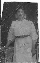 Photo: Maartje de Groot 'mijn moeders moeder' als jonge vrouw van 19 jaar. Haar vader was Klaas de Groot geb.1867 overleden 26-2-1921. Haar moeder, Cornelia Halff geb. 1870 overleden 1933
