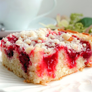 Delicious Cherry Cake with Crumb Topping.