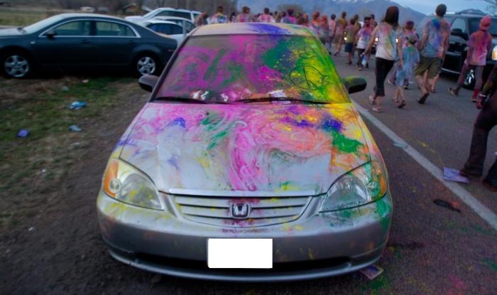 irresponsible-behaviours-on-holi_colours_car_holi