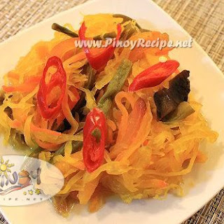 Achara or Atsara Recipe (Filipino pickled green papaya).