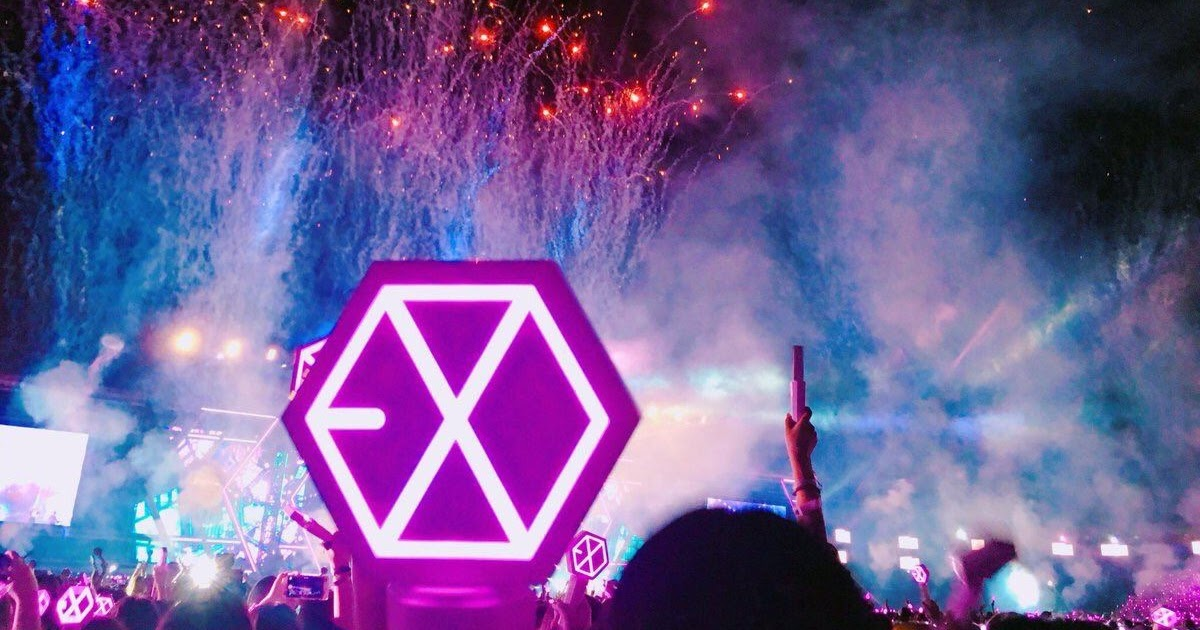 Fans Created The Most Beautiful Rainbow Ocean For EXO - Koreaboo