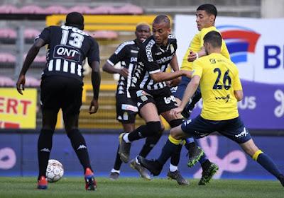 Charleroi won met 4-0 van Beerschot Wilrijk.