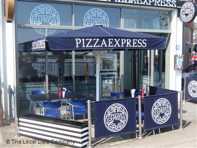Pizzaexpress On Bute Crescent Restaurant Italian In