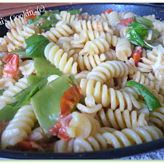 Fusilli With Runner Beans, Tomatoes And Mozzarella