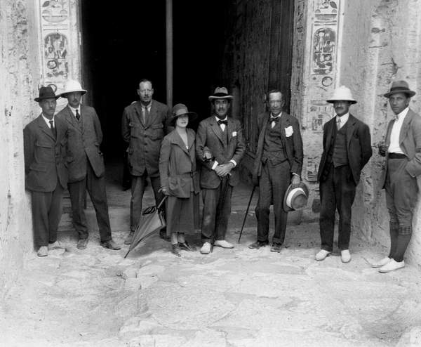 Image of Arthur Mace, Richard Bethell, egyptologist Arthur Callender, Lady Evelyn Herbert, Howard Carter, George Herbert 5th Lord Carnarvon, Alfred Lucas, and photographer Harry Burton in front of the entrance of the tomb of Toutankhamon, in the King valley, in Egypt in December 1922 © Tallandier / Bridgeman Images