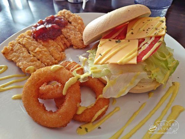 彰化北斗 巴午村 Brunch & Caf'e 融合了美式早午餐,適合多人聚會聊天 附菜單