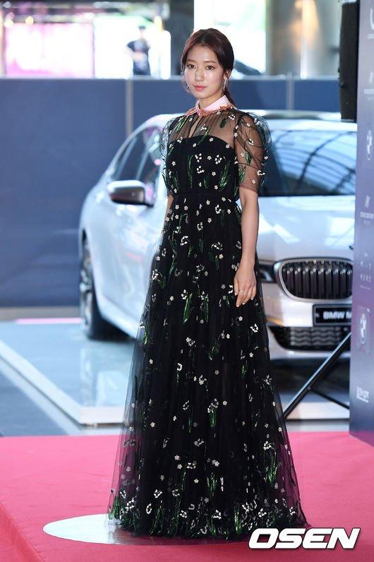 shinhye gown 6