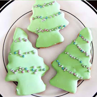 Frosted Christmas Gingerbread Cookies.